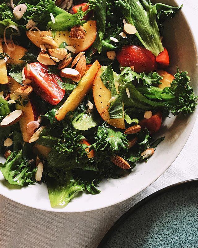 bright & green nectarine salad